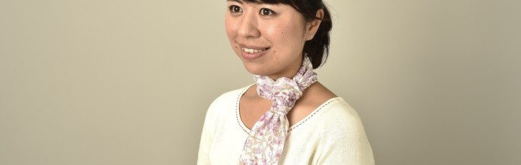 Would you like handkerchiefs as a souvenir? Wrapping a handkerchief around your neck add a taste to your fashion!