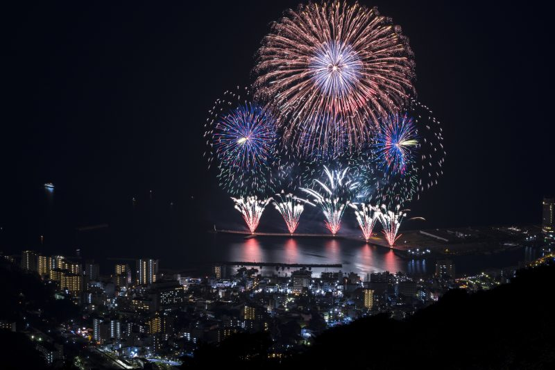 Winter's Atami Sea Fireworks Display