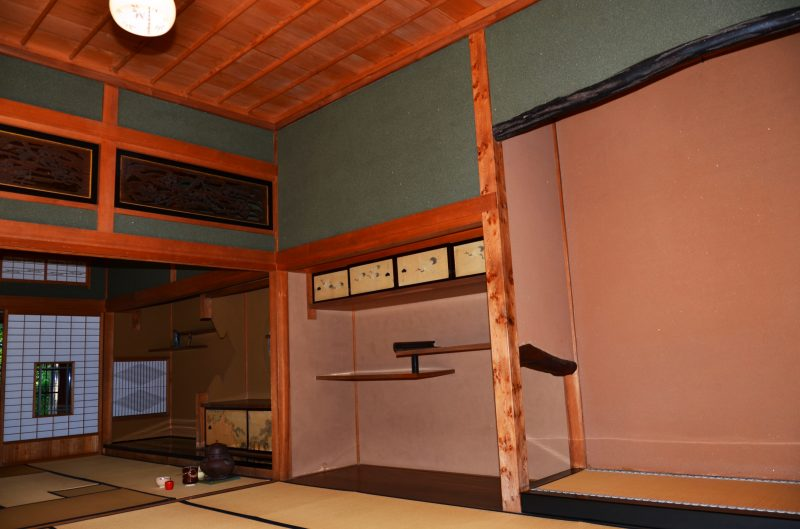 Interior of the pavilion in Kosetsu-en