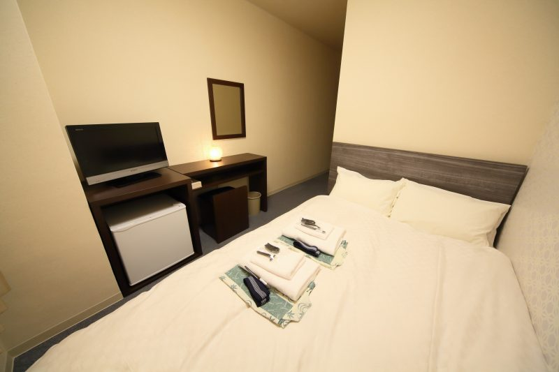 Single Bed Room (from 6,800 yen)