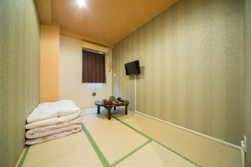 Private room (Japanese style): starting from ¥5,800 per night