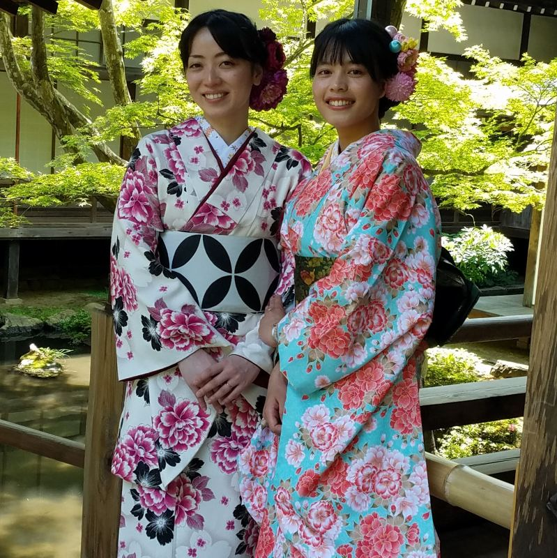 Take photos in beautiful kimonos!  ※Image is a mockup.